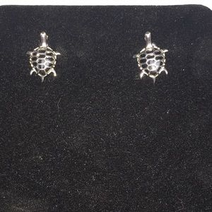 Jewelry - Sterling silver Onyx Turtle 🐢 Stud Earrings
